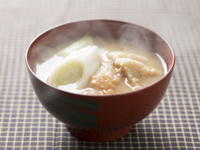 くるま麩と葱の味噌汁