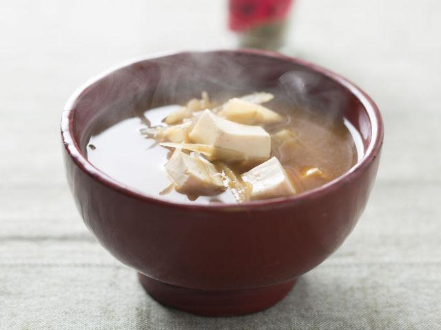 豆腐とごぼうの味噌汁
