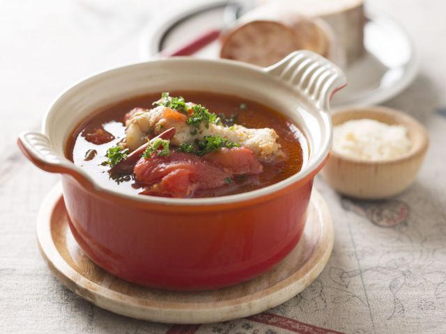 鶏とトマトの辛いスープ