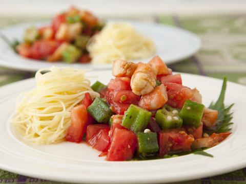 オクラとトマトの海鮮サラダ