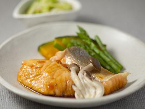 鮭の照り焼き風と野菜のおかず