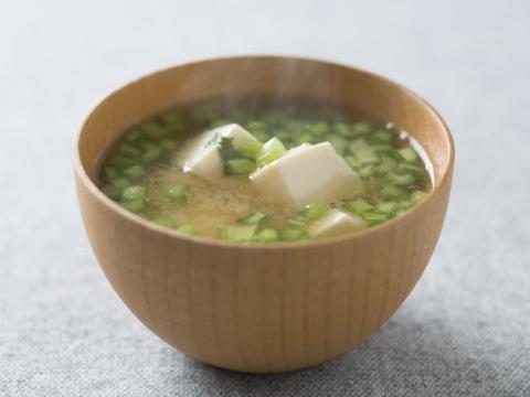 かぶの葉と豆腐の味噌汁