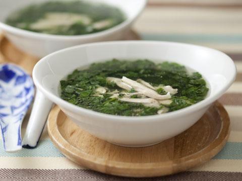 モロヘイヤの中華風チキンスープ