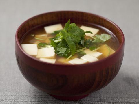 豆腐とみつばのみそ汁