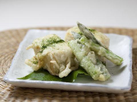 アスパラガスと豆腐の若草揚げ
