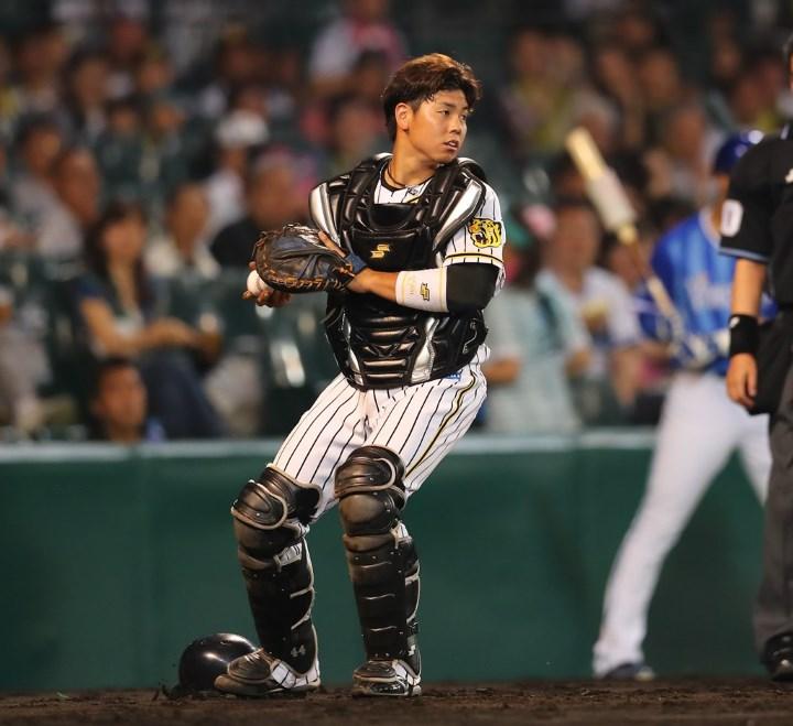 阪神 梅野隆太郎 年俸アップも……シブい表情